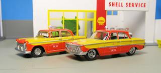 Tomica Limited Vintage  Taxi set