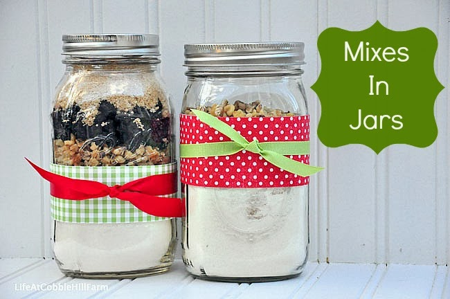 6 Weeks Of Holiday Food Gift Ideas Week 4 Mixes In Jars Cinnamon Coffee Cake And Cranberry Walnut Quick Bread Life At Cobble Hill Farm