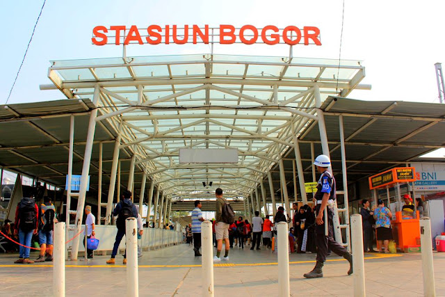THE MAIN ENTRY GATE OF BOGOR STATION - COMMUTER TRAIN