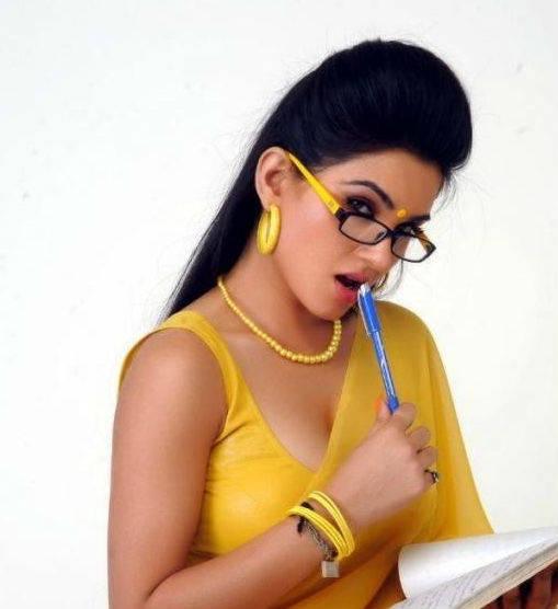 Kavya Singh Hot Yellow Saree