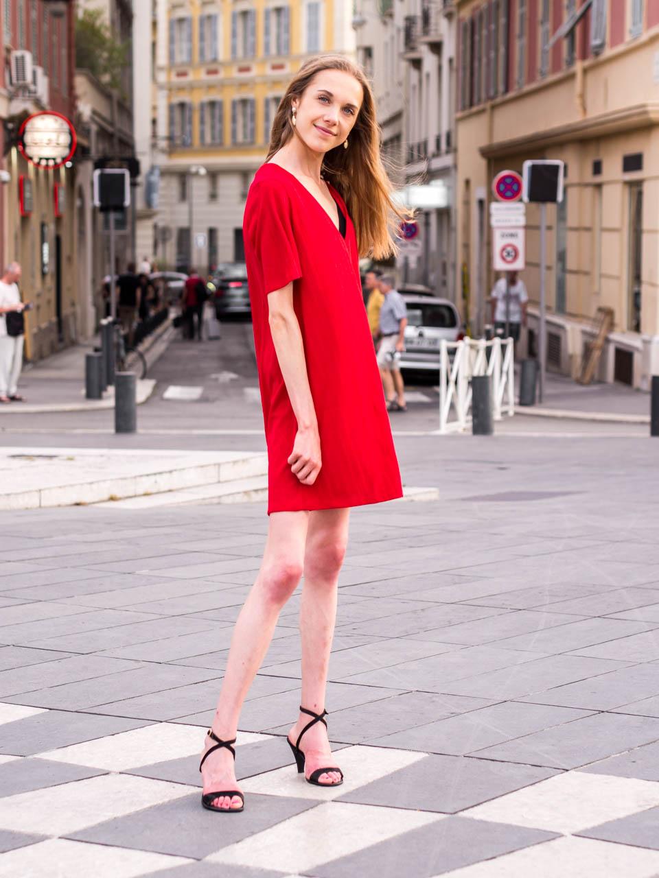 summer-fashion-blogger-outfit-streetstyle-nice-france-muotiblogi-kesämuoti-bloggaaja-kesämekko-nizza-ranska