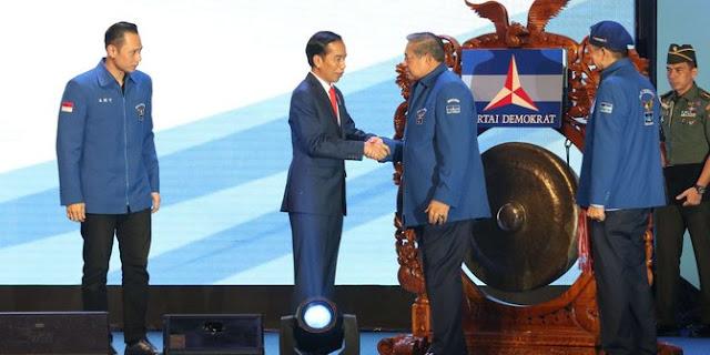 Saling kode SBY dan Jokowi soal koalisi di pembukaan Rapimnas Demokrat