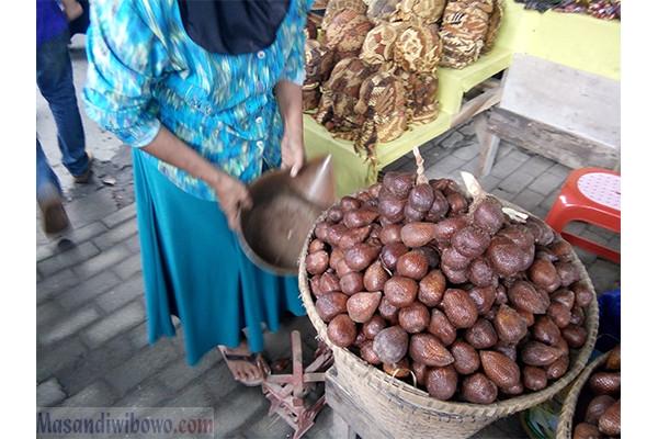 Oleh - Oleh khas Candi Borobudur