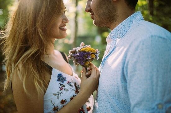 8 Keistimewaan Cowok yang Bikin Cewek Ingin Jadi Pasangan Hidupmu!