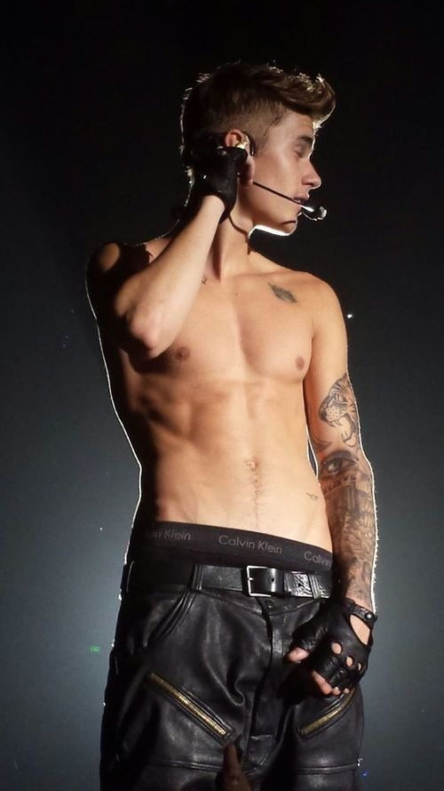 The Stars Come Out To Play: Justin Bieber - New Shirtless Pics джастин бибер слушать