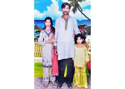 Photo: Muslim cleric, four others sentenced to death for burning Pakistani Christian couple alive