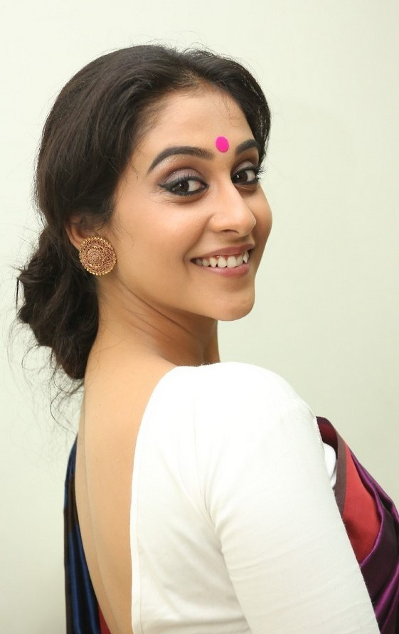 Regina Cassandra Latest Stills In Violet Saree