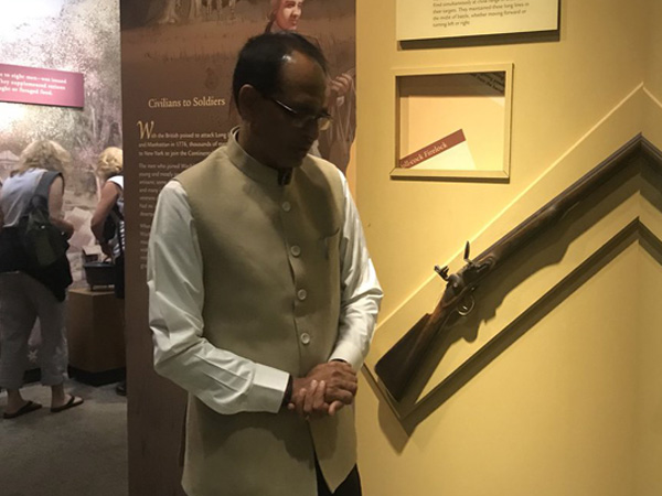 MP CM Shivraj Singh Chouhan visits National Museum of American History; meets Indian envoy