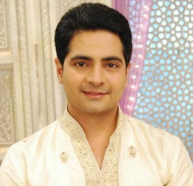 Karan Mehra Family Wife Son Daughter Father Mother Marriage Photos Biography Profile