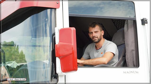 Daniel Prein directeur et en même temps monteur, soudeur, électricien, chauffeur...