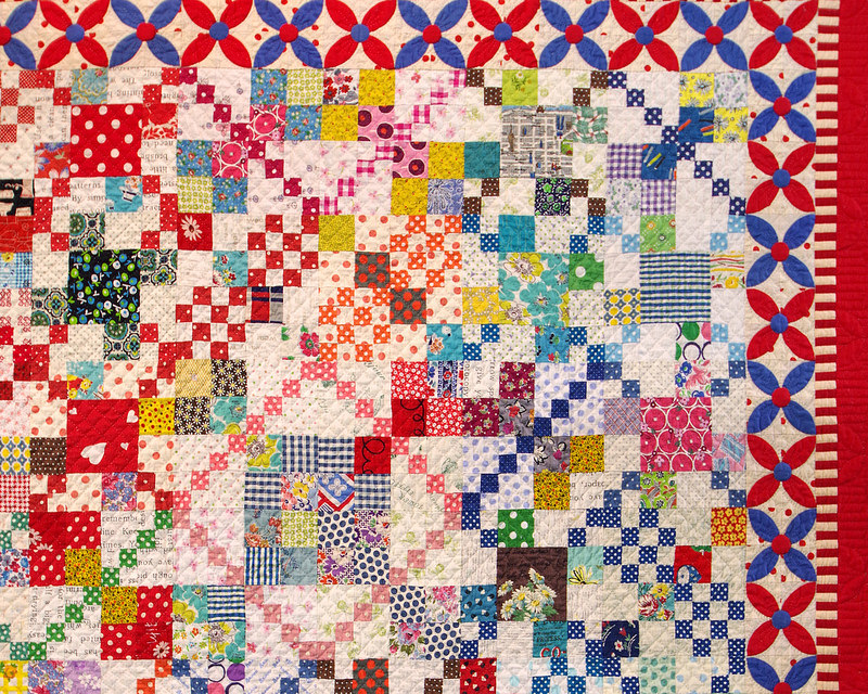 Flowers and Polka Dot by Yoko (Shizuoka) | Tokyo Quilt Festival 2018 | © Red Pepper Quilts