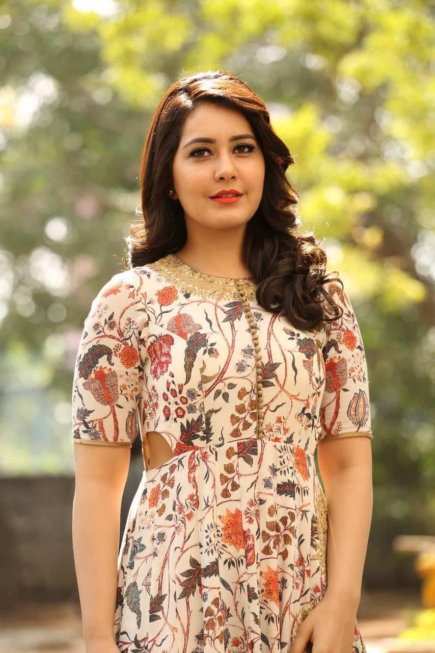 Rashi Khanna Photos From Bengal Tiger Movie