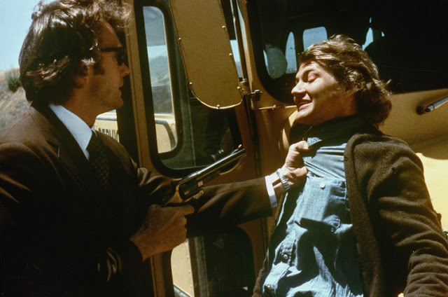 Dirty Harry 1971 movieloversreviews.filminspector.com Clint Eastwood Andrew Robinson