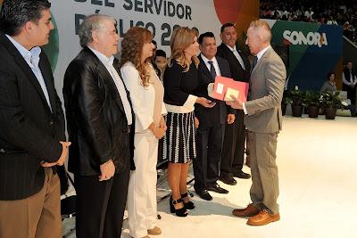 Servidores públicos hacen fuerte a Sonora: Claudia Pavlovich