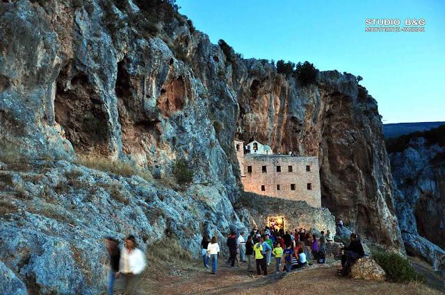 Μπαλτάς σε Ανδριανό για την αποκατάσταση των ζημιών από την πυρκαγιά στη Μονή Αυγού Ερμιονίδας