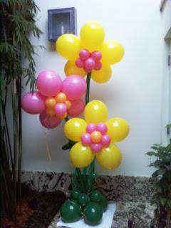 Balloon flower column for party decoration idea