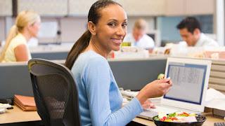 Tips Sehat Meski Bekerja Seharian