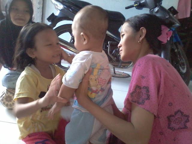 2 anak satu ibu