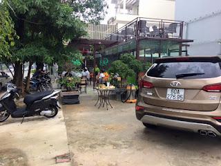 tiệm rửa xe ô tô