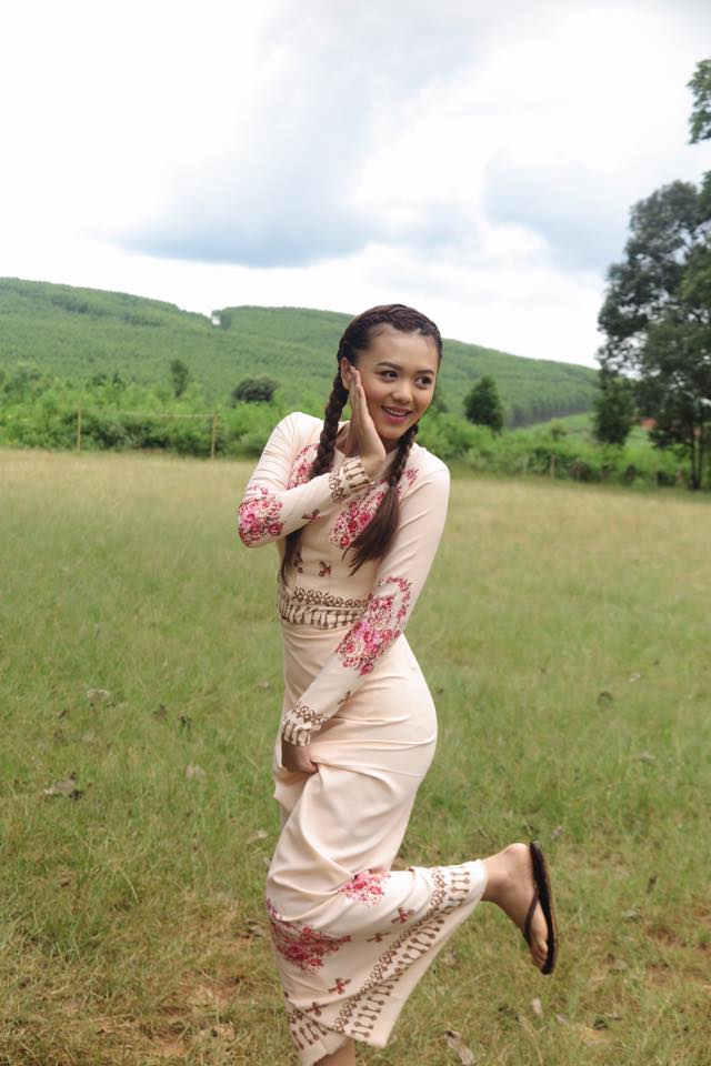 Shwe Mhone Yati In Myanmar Fashion Outfit