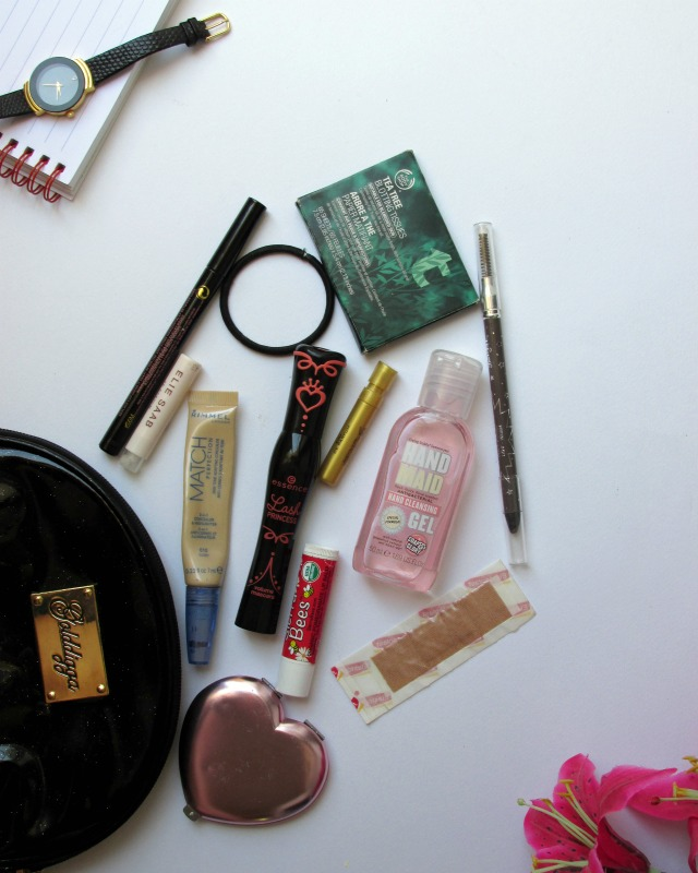 school beauty bag essentials, sixth form makeup, school makeup bag