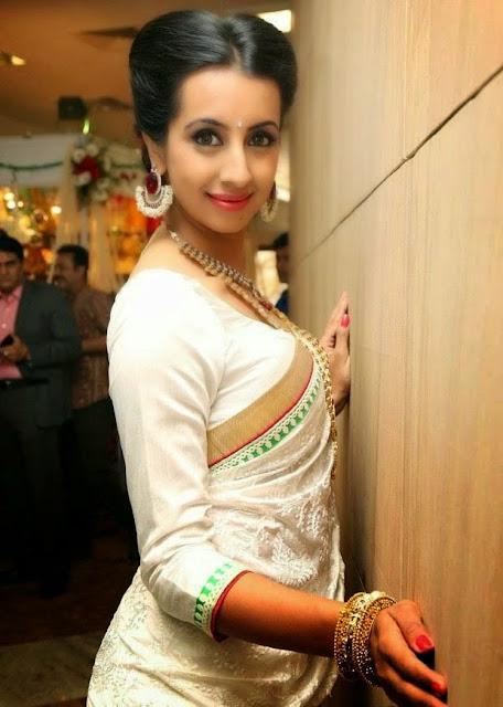 Sanjjanaa Stills At Hi Life Exhibition