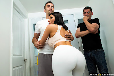 Jaclyn Taylor – His Wife Squats (On My Dick)