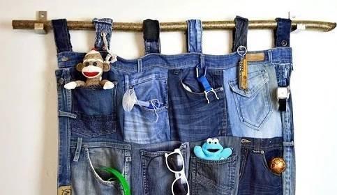 Tempat perkakas unik dari celana jeans bekas