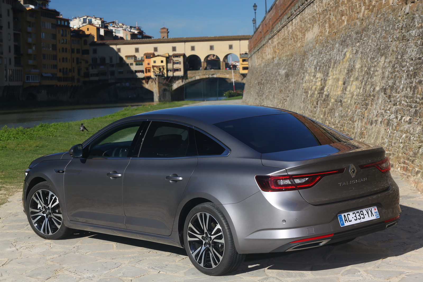renault talisman fiyatlar a kland. Black Bedroom Furniture Sets. Home Design Ideas