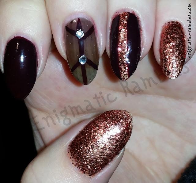 Glitter-Line-Nails