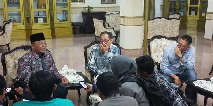 Bupati Malang, Rendra Kresna dalam pertemuan strategi pemasaran wisata Kabupaten Malang di Pendopo Agung.