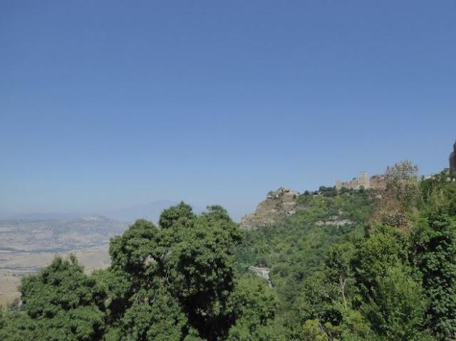 castello di lombardia visto dal belvedere marconi enna