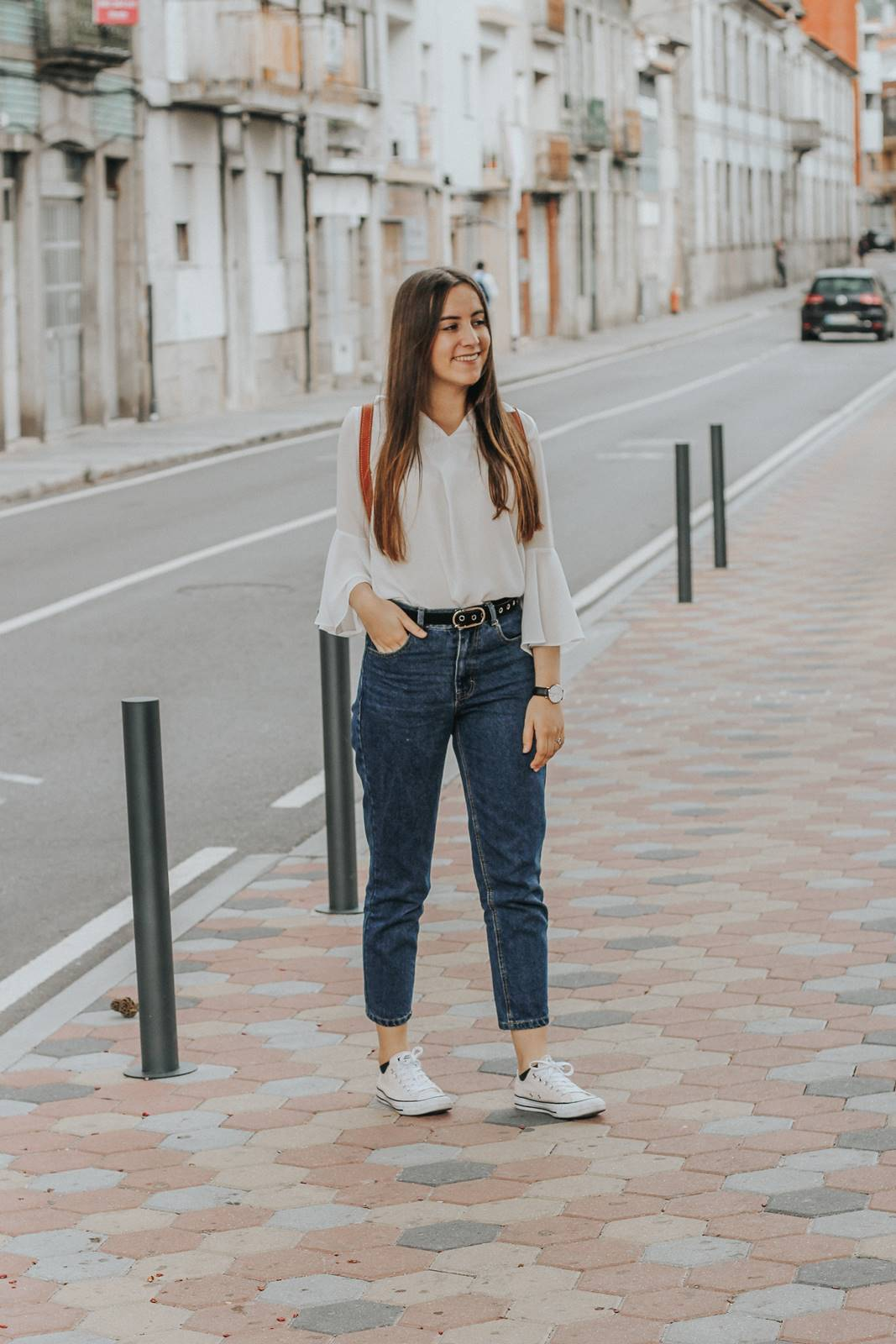 outfit_mom_jeans_white_zaful_shirt_converse_all_star
