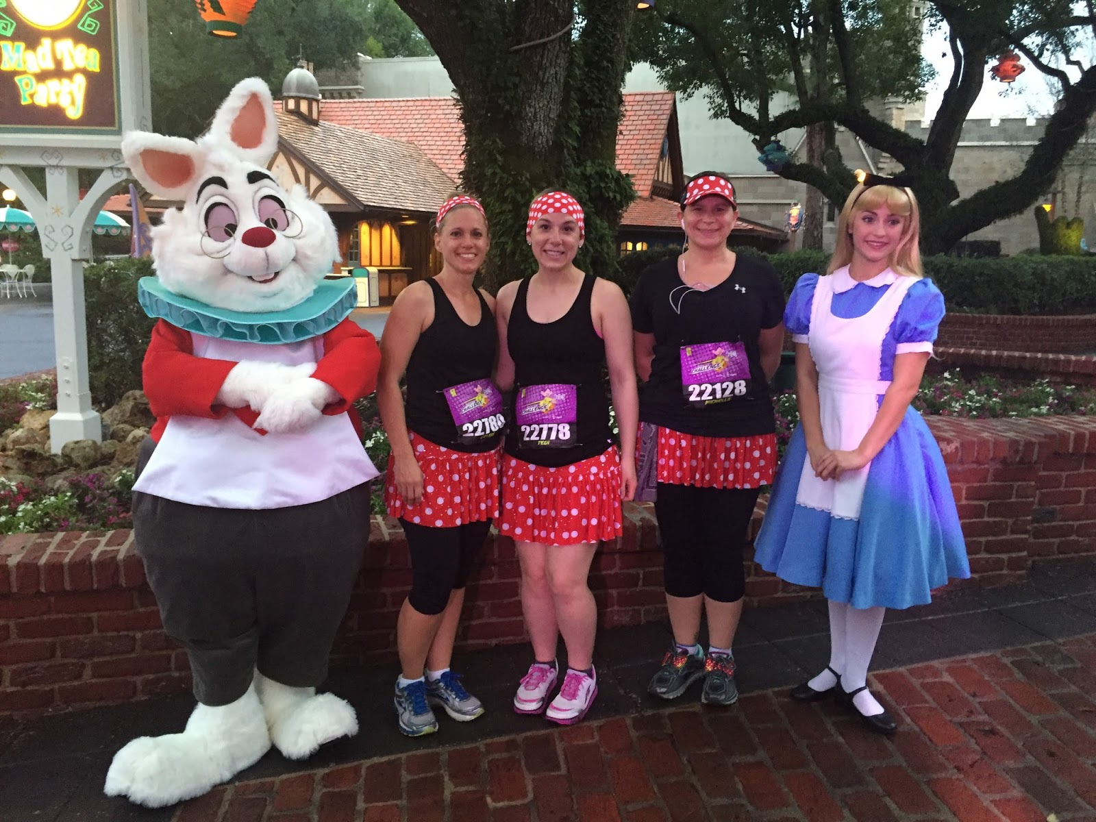 Dopey Challenge Mickey Marathon 2016 All of us with Alice and the Rabbit