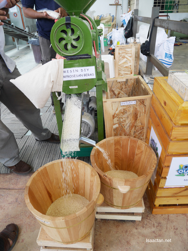 A DIY machine to process rice