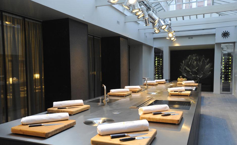 in corp tourisme incentive paris atelier de cuisine by cyril lignac et decor by. Black Bedroom Furniture Sets. Home Design Ideas