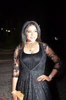 Sakshi Agarwal looks stunning in all black gown at 64th Jio Filmfare Awards South ~  Exclusive 100.JPG