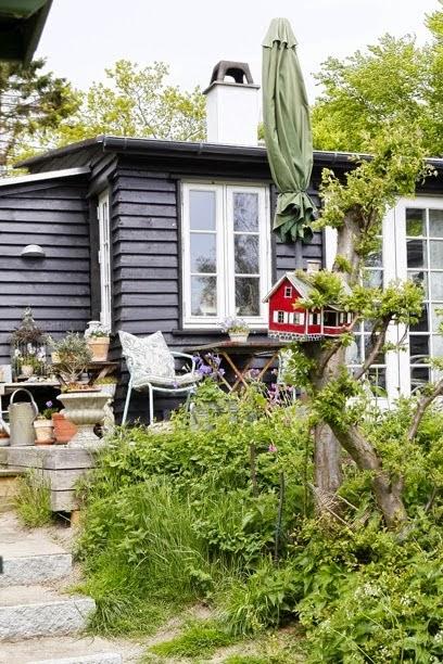 Una casa decorada con el encanto bucólico y romántico del estilo shabby chic
