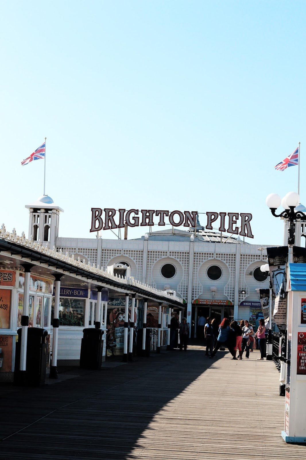 planning a day trip to brighton? click through for a list of things to do and see in the seaside city