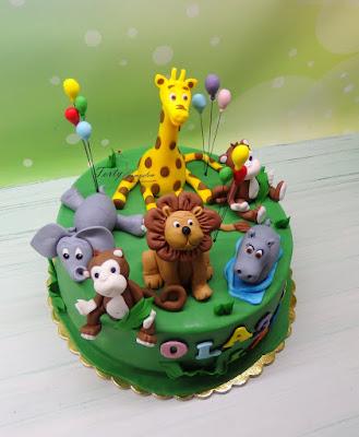 tort w stylu safari