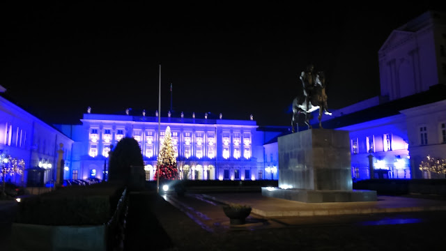 pałac prezydencki podczas świąt