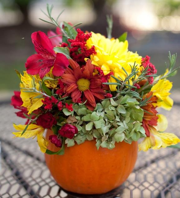 Fall+autumn+wedding+orange+red+halloween+pumpkin+hallows+eve+bride+groom+black+bridesmaids+dresses+orange+burnt+leaves+leaf+centerpieces+Alisha+Crossley+Photography+15 - The Bewitching Hour