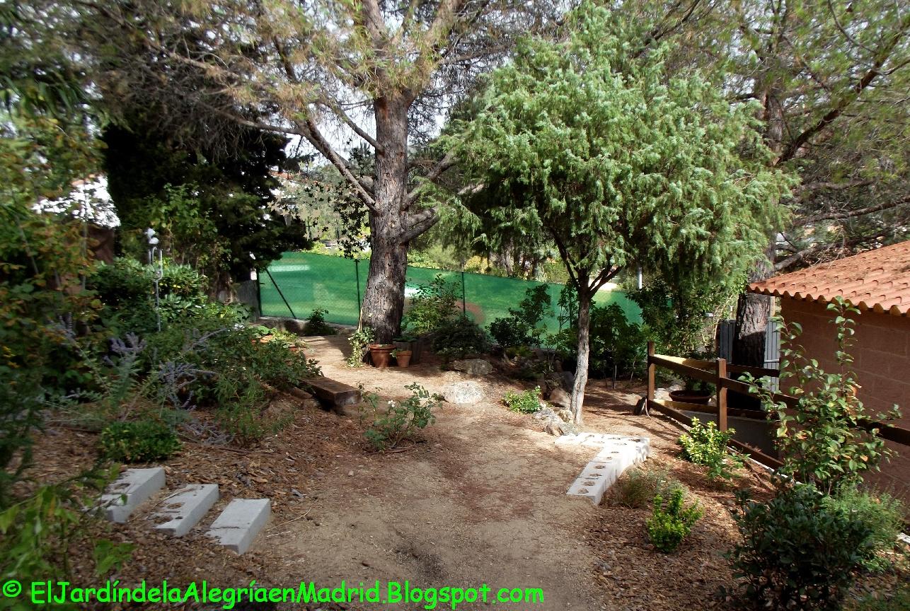 El jardín de la alegría : Cómo instalar una valla metálica en el ...