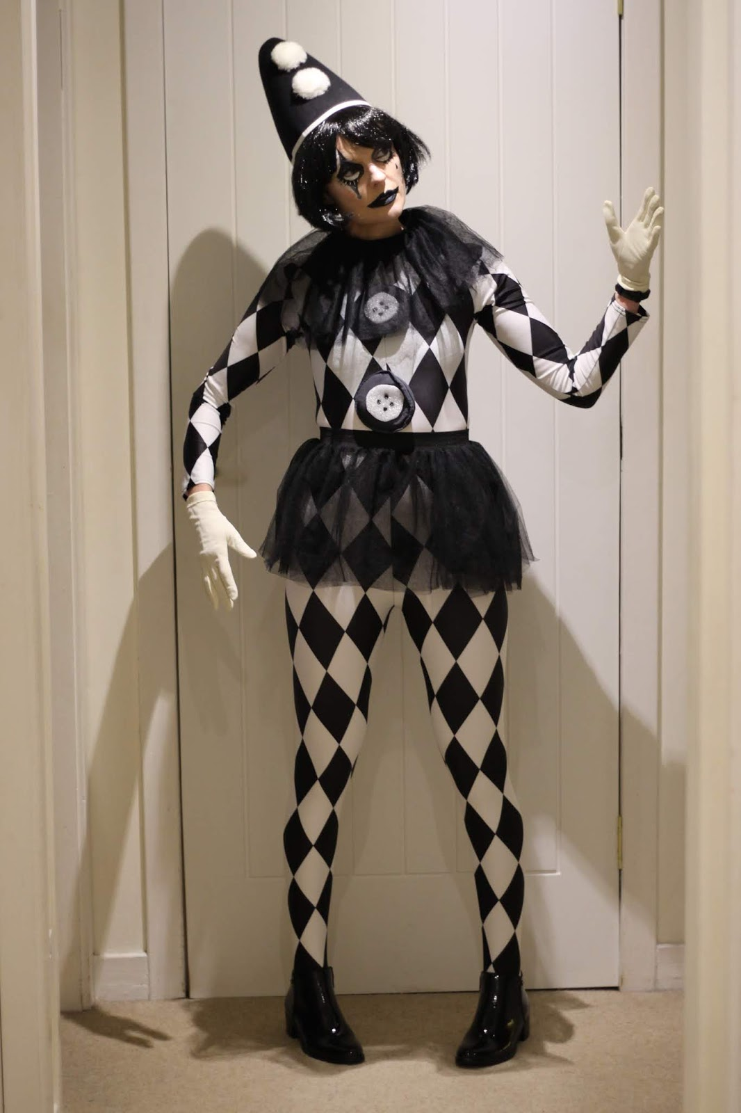 Easy Halloween Harlequin Costume Idea Over 40| Fake Fabulous
