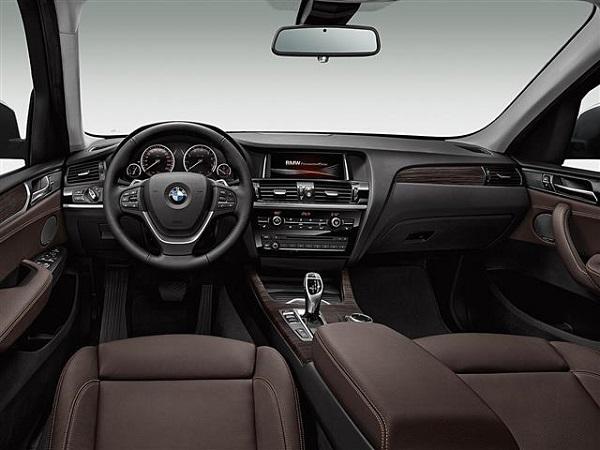 BMW X3 LCi interior