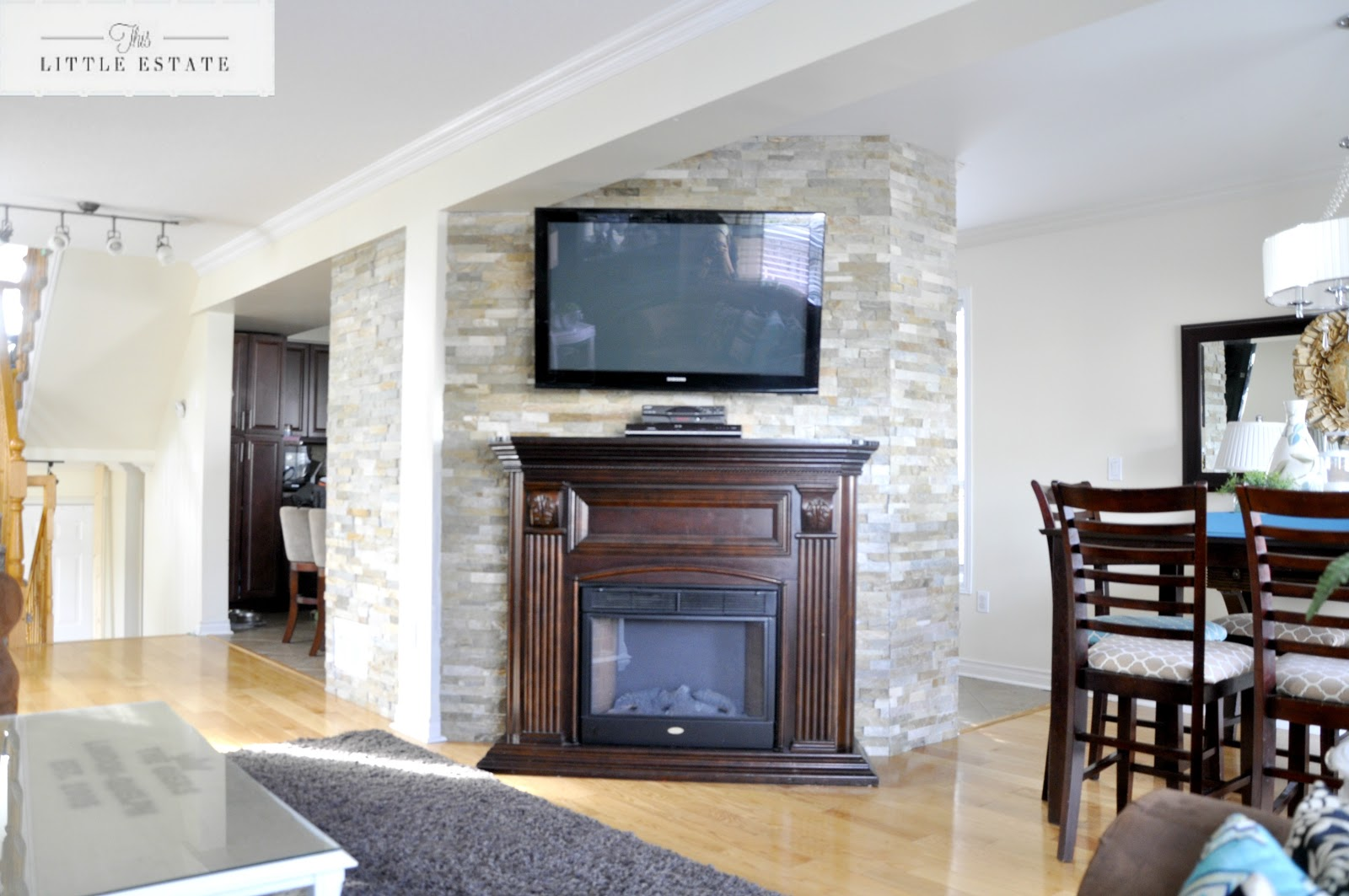 Stone feature wall tutorial with pictures this little - Feature wall living room ...