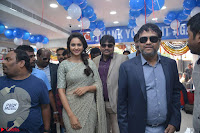 Rakul Preet Singh in a Designer saree at Launch of BIG C Show room at  Kurnool ~ Celebrities Galleries 020.jpg