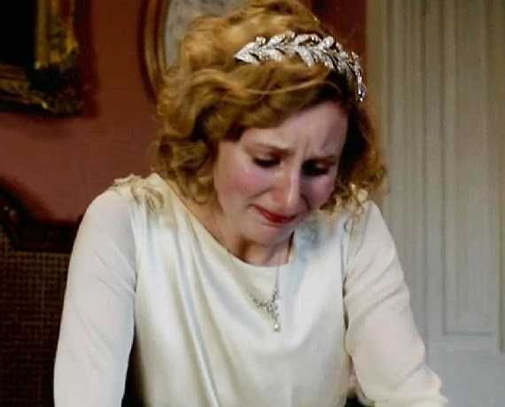 Lady Smith llorando Downton adopta