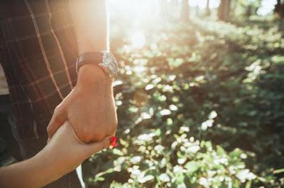 Cara Terpenting Untuk Tidak Sakit Hati Ketika Jatuh Cinta Setengah Mati