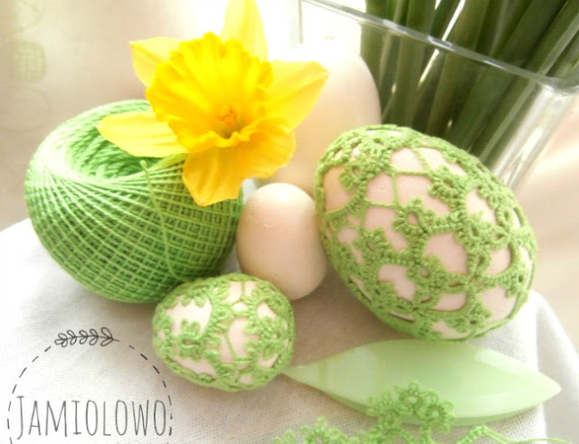 zielone, frywolitkowe ubranka na jajka